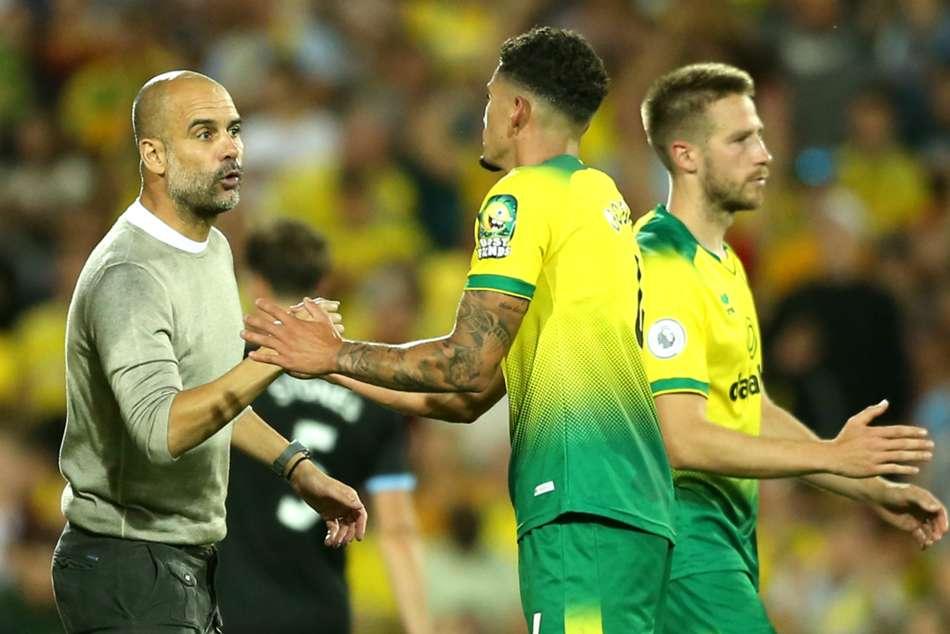 Guardiola congratulates clinical Canaries
