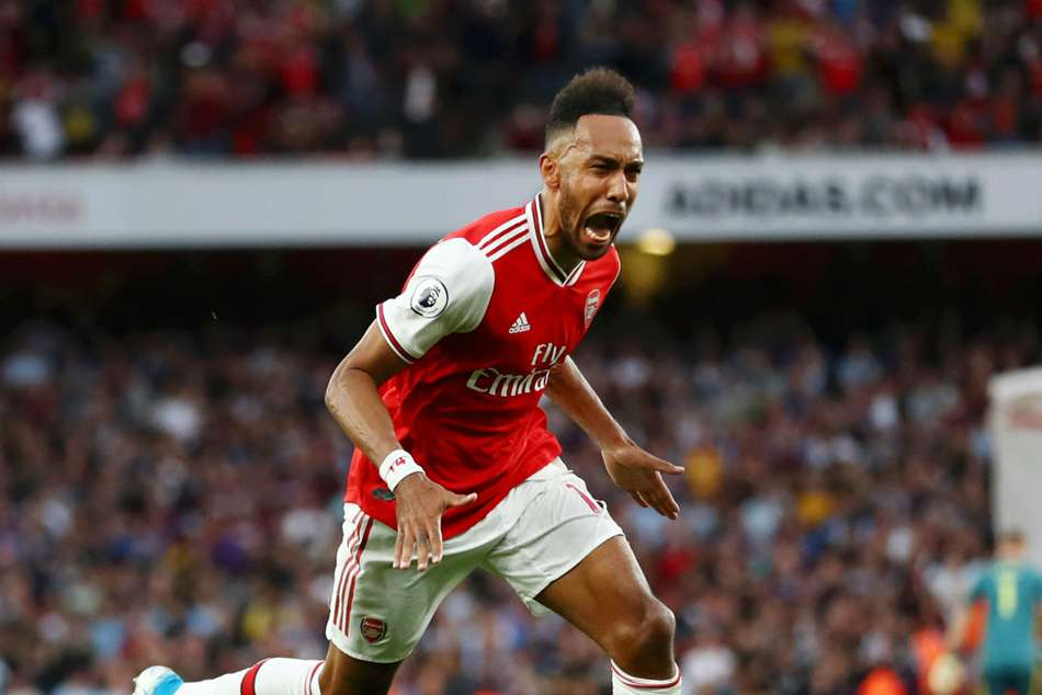 Arsenal 3-2 Aston Villa: Aubameyang strikes late for 10-man Gunners