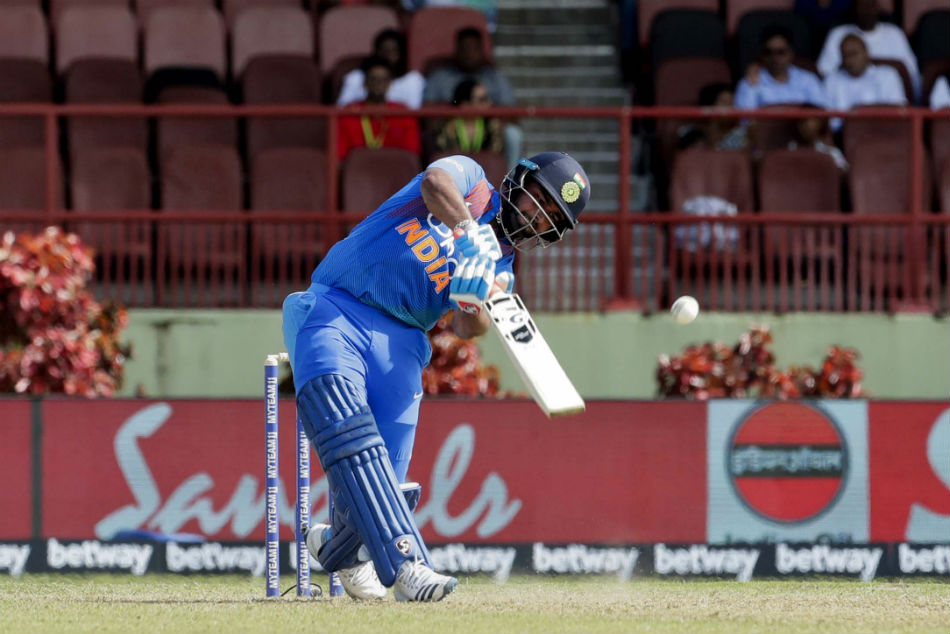 Rishabh Pant doesn't know the right method of scoring runs at No. 4, should bat at No. 5 or 6: VVS Laxman