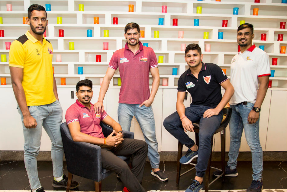 Pro Kabaddi League 2019: Leading raiders bond over Misal Pav in Pune