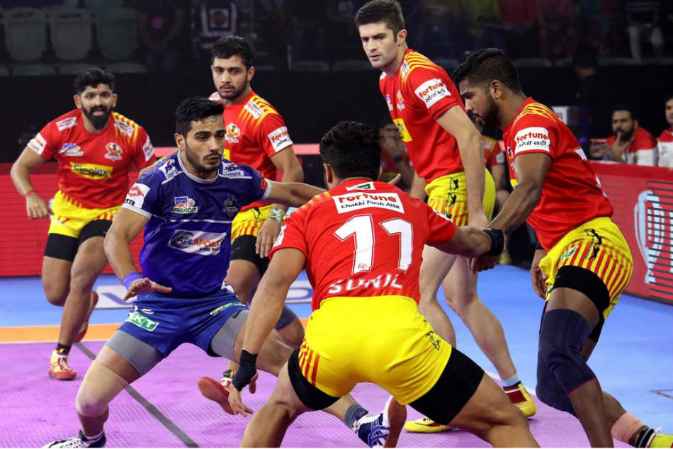 Haryana Steelers lock horns with Gujarat Fortunegiants in second game of home-leg (Image Courtesy: Pro Kabaddi)