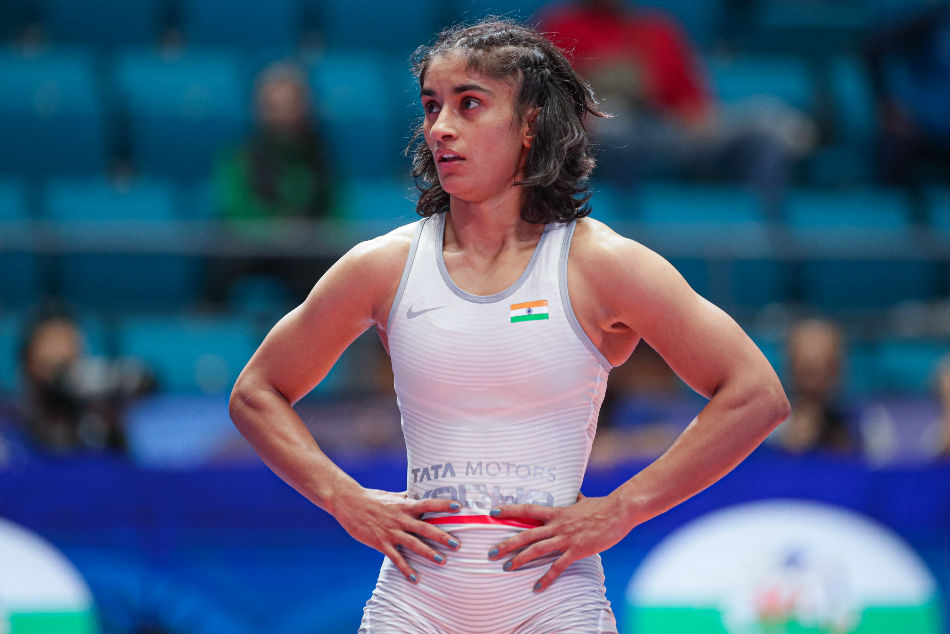 Vinesh & Seema reach repechage to keep India's medal hopes alive