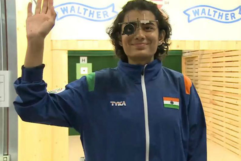 Yashaswini Singh Deswal claimed gold in 10m Air Pistol event (Image Courtesy: Twitter)