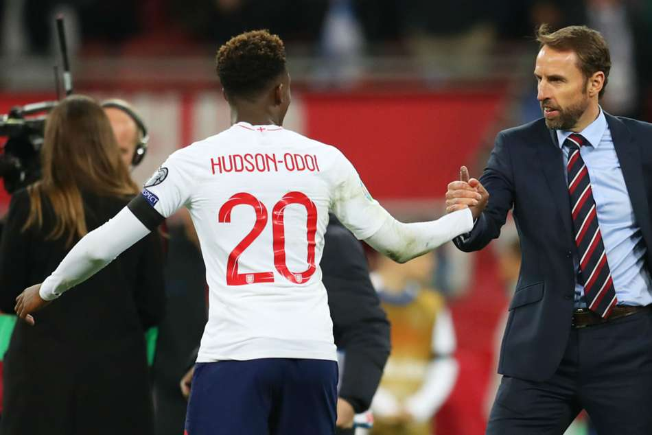 Hudson-Odoi supports England team stance on racist abuse