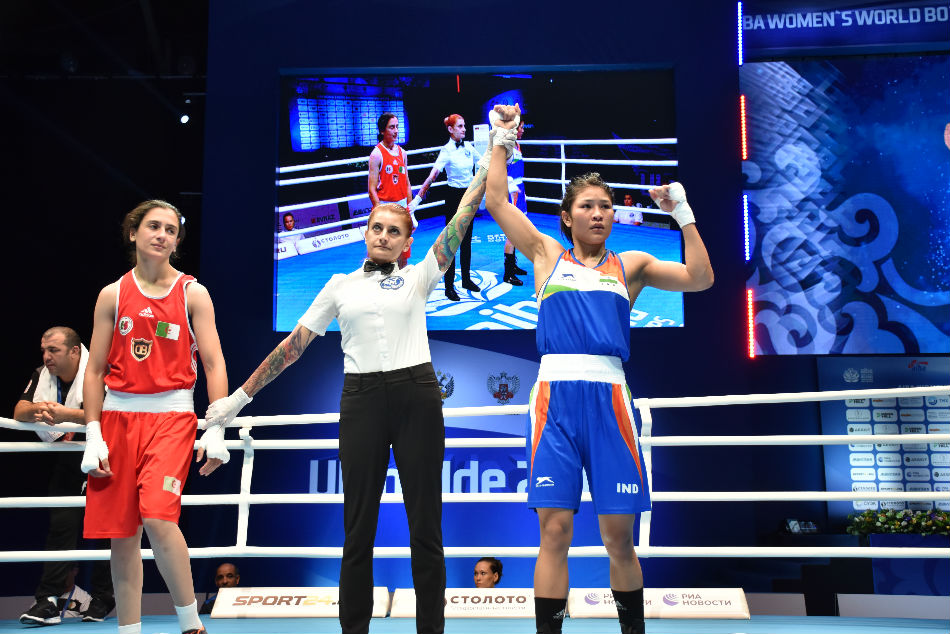 Jamuna Boro (right) defeated Ouidad Sfouh 5-0 to reach the quarters of World Womens Boxing Championship