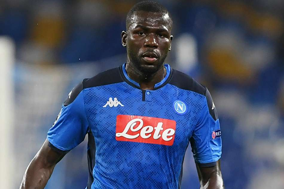 Koulibaly at home with Napoli amid Man United links
