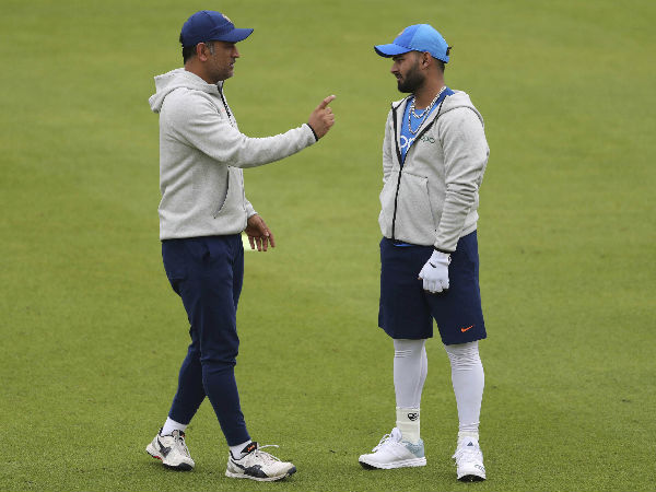 'Pant shouldn't compare himself with Dhoni'