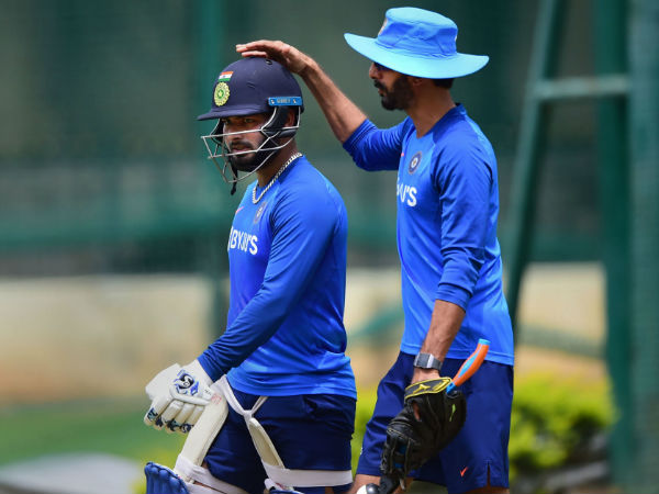Pant backed by management and selectors