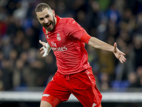 Benzema on song