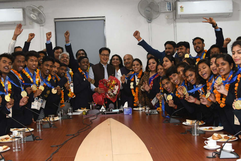 Sports Minister felicitates Kho-Kho teams for winning gold in South Asian Games
