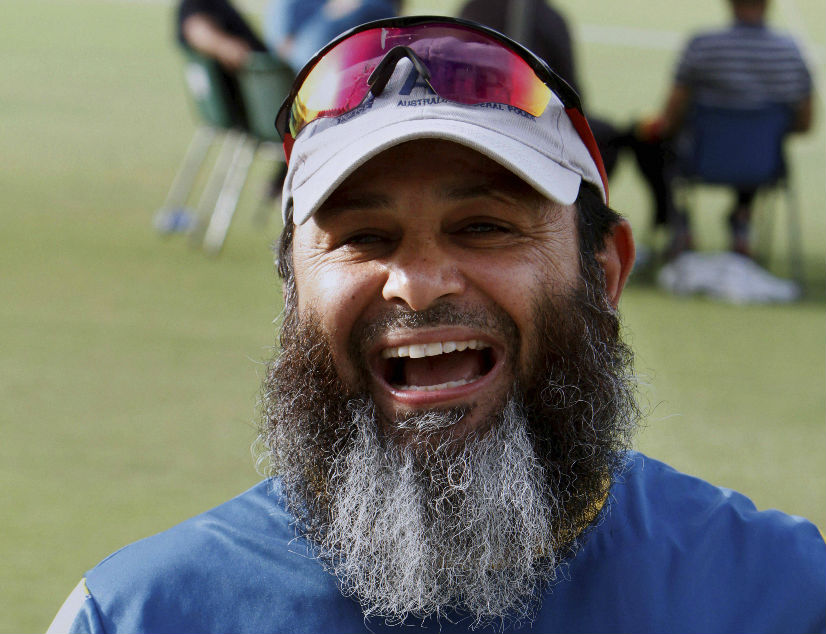 Pakistan appoint Mushtaq Ahmed as spin bowling consultant