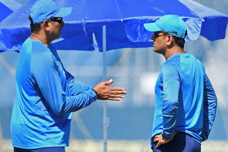 Ravi Shastri On Keeping Options For T20 Wc Let S See How Dhoni S Body Holds Up Rahul Also An Option