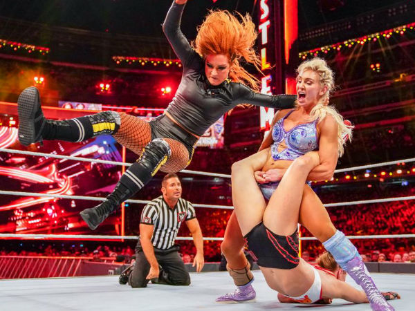 Botched finish to Wrestlemania 35 main-event featuring women
