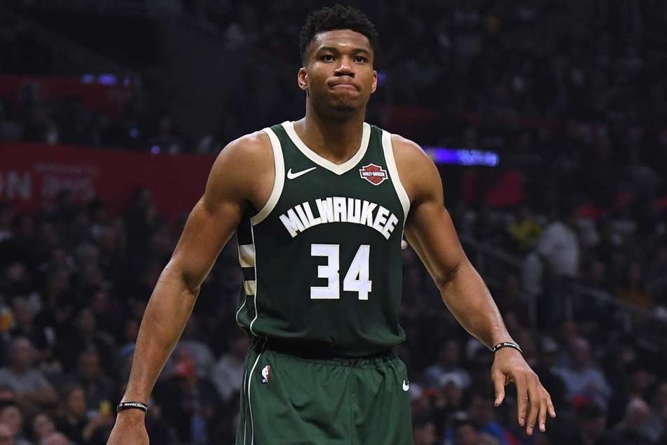 Giannis Antetokounmpo scored 29 points and 12 rebounds in Bucks win