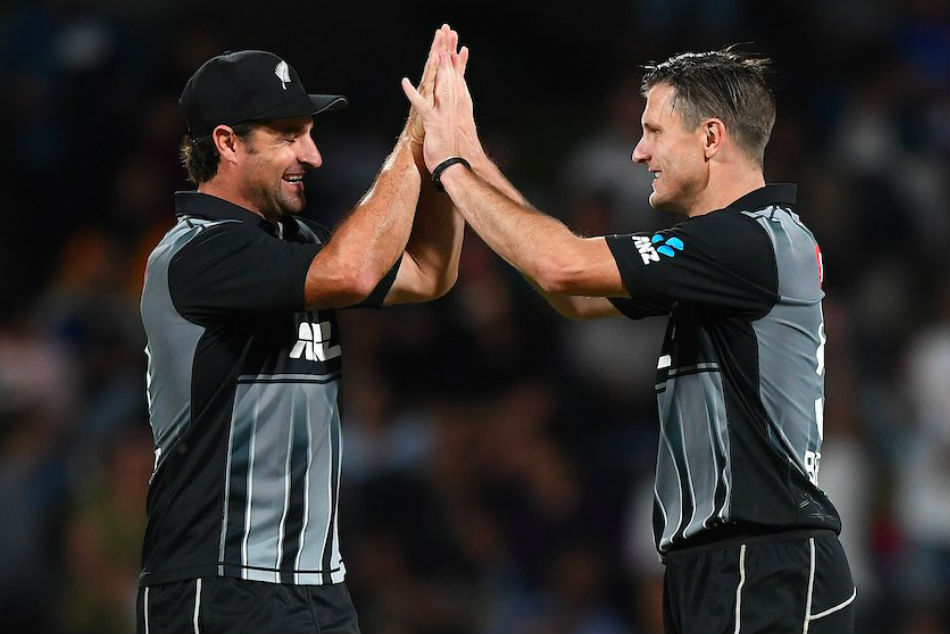 Hamish Bennett (right) returns to New Zealand ODI squad after long absence (Image Courtesy: @BLACKCAPS Twitter)