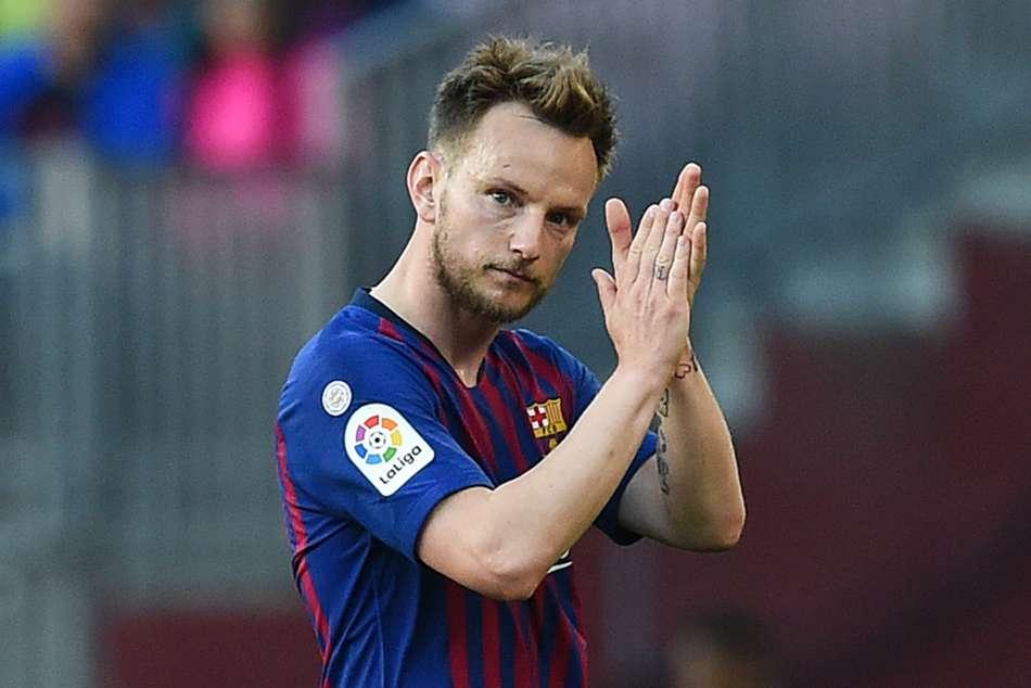 Rumour Has It: Barca, Juve in Rakitic-Bernardeschi swap talks