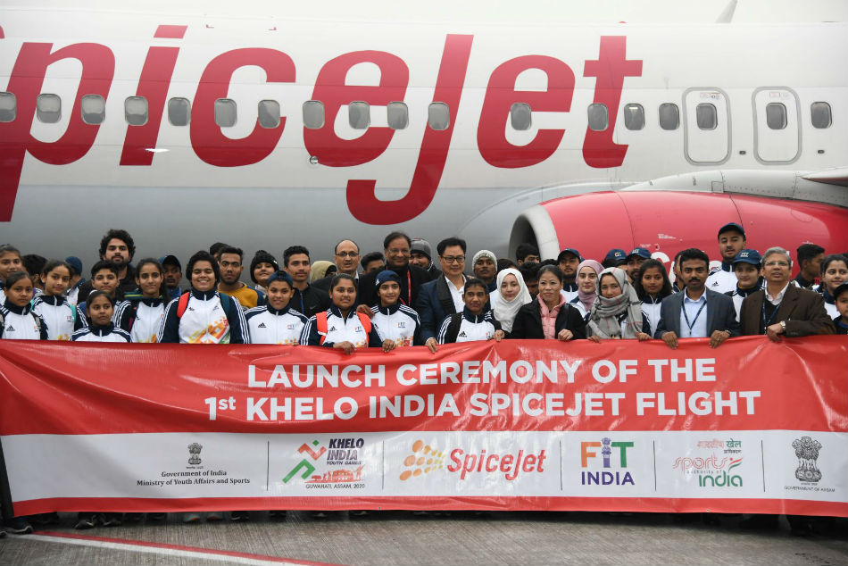 Kiren Rijiju along with Mary Kom, SpiceJet CMD Ajay Singh and DG SAI Sandip Pradhan send off the Khelo India Team for Youth games in Guwahati