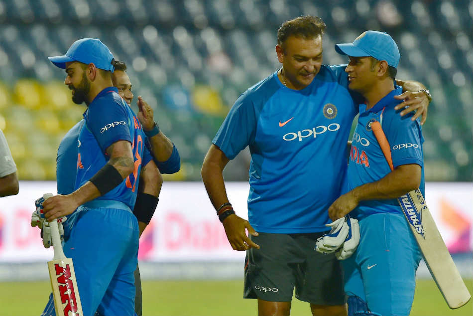 MS Dhoni equal to Kapil Dev in terms of fitness, would never impose himself on Team India: Ravi Shastri