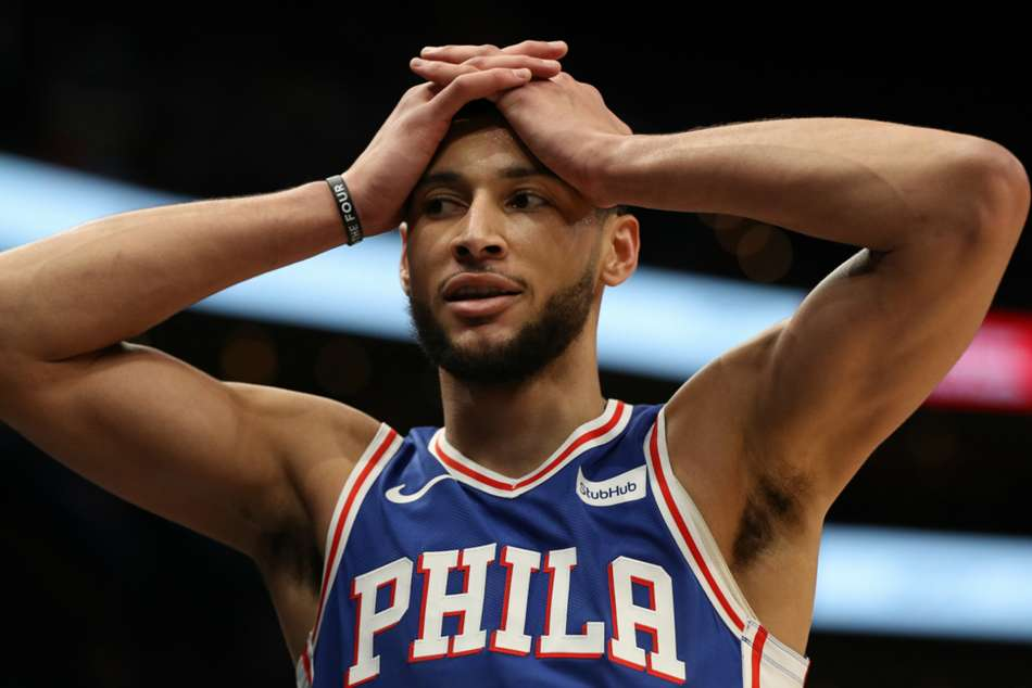 NBA wrap: Simmons injured in 76ers loss, Heat honour retired Wade