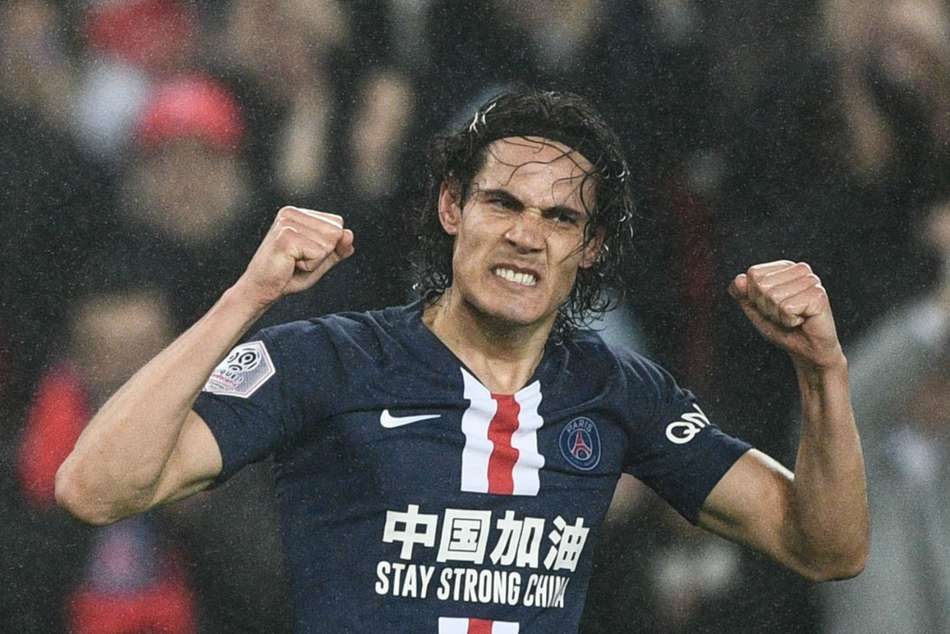 Edinson Cavani scores 200th goal for PSG