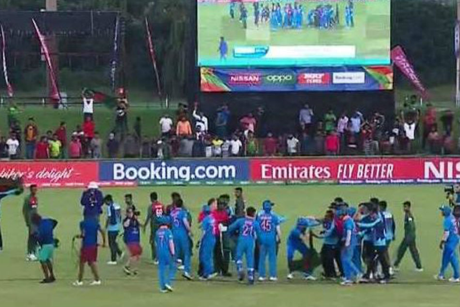 India and Bangladesh players come to blows after the final (Image Courtesy: Twitter)