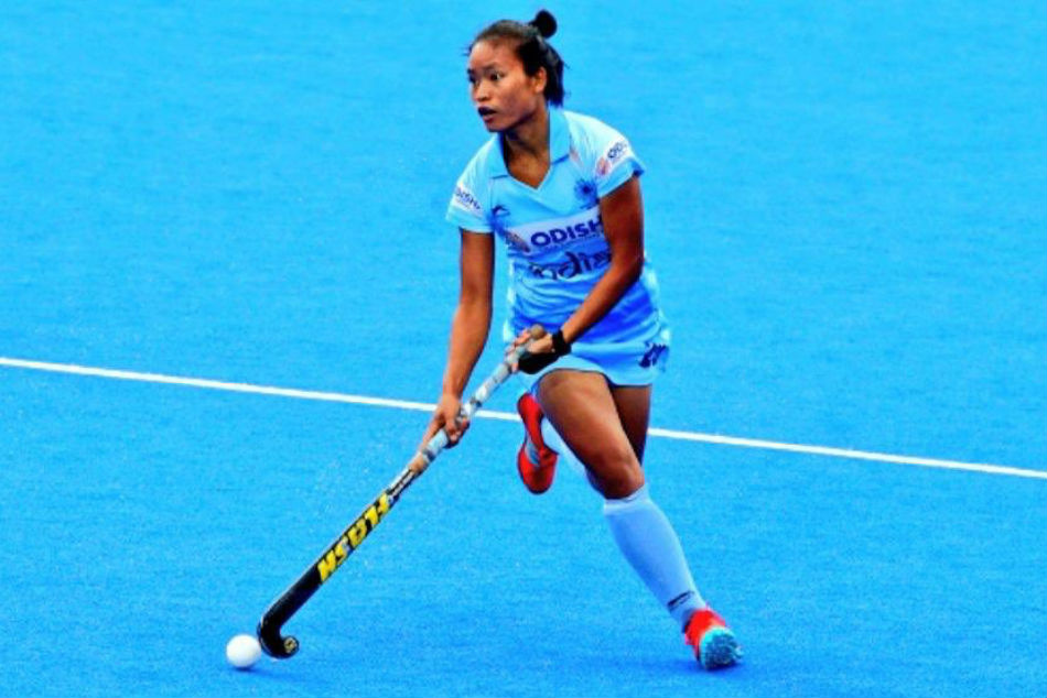 India Striker Lalremsiami Named 2019 Fih Women S Rising Star Of Year