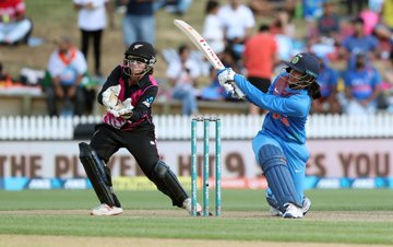 Smriti Mandhana rises to 4th in ICC T20 rankings, Sophie Devine climbs four spots to No.2