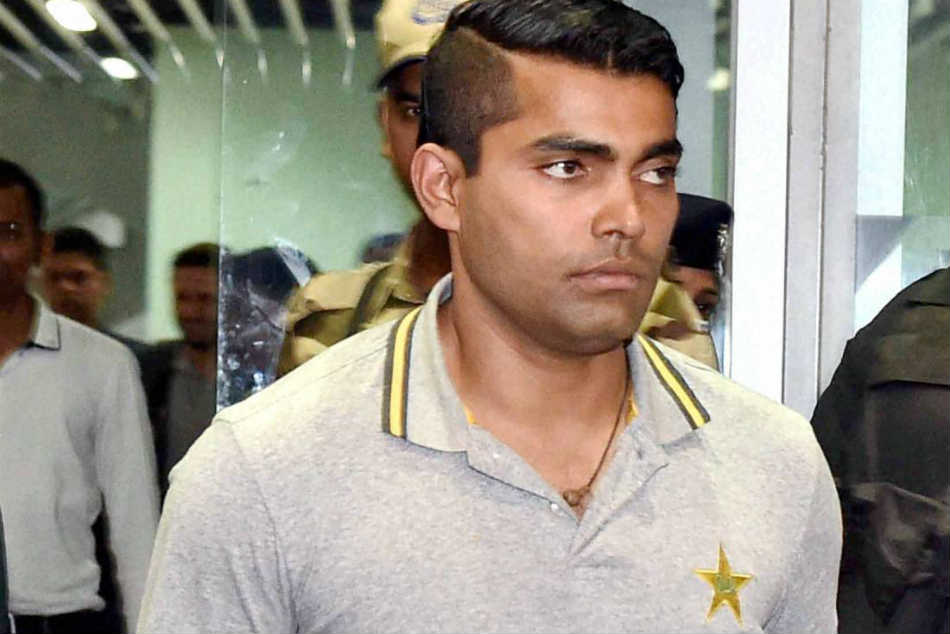 Umar Akmal not to challenge PCB's show cause notice