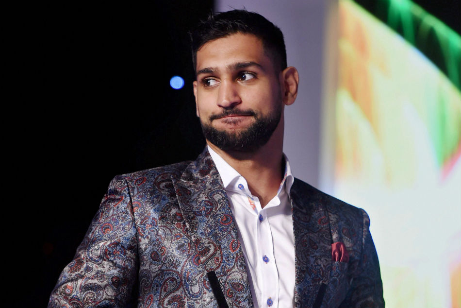 Coronavirus: Boxer Amir Khan offers wedding venue to Britains NHS