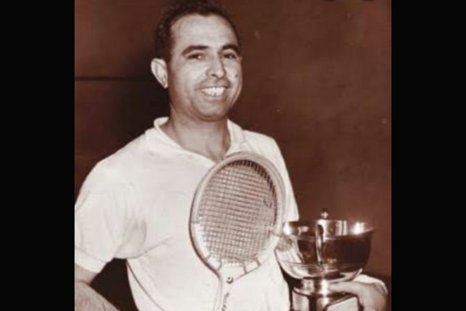 Pakistani squash legend Azam Khan dies of coronavirus in London