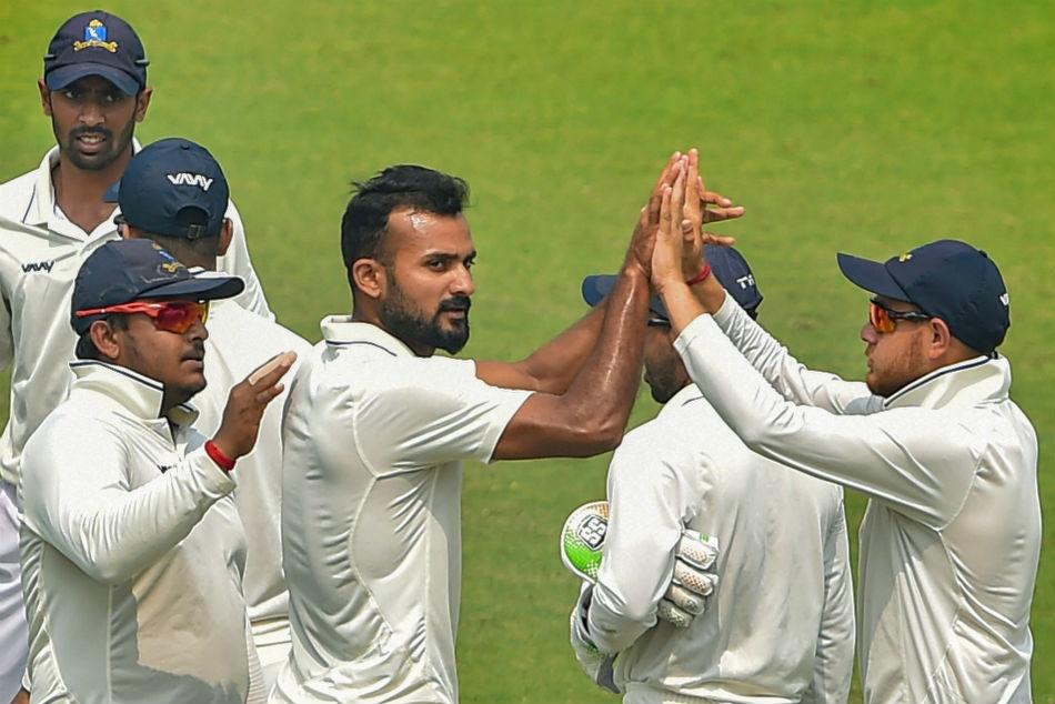 Ranji Trophy: Bengal beat Karnataka to enter last