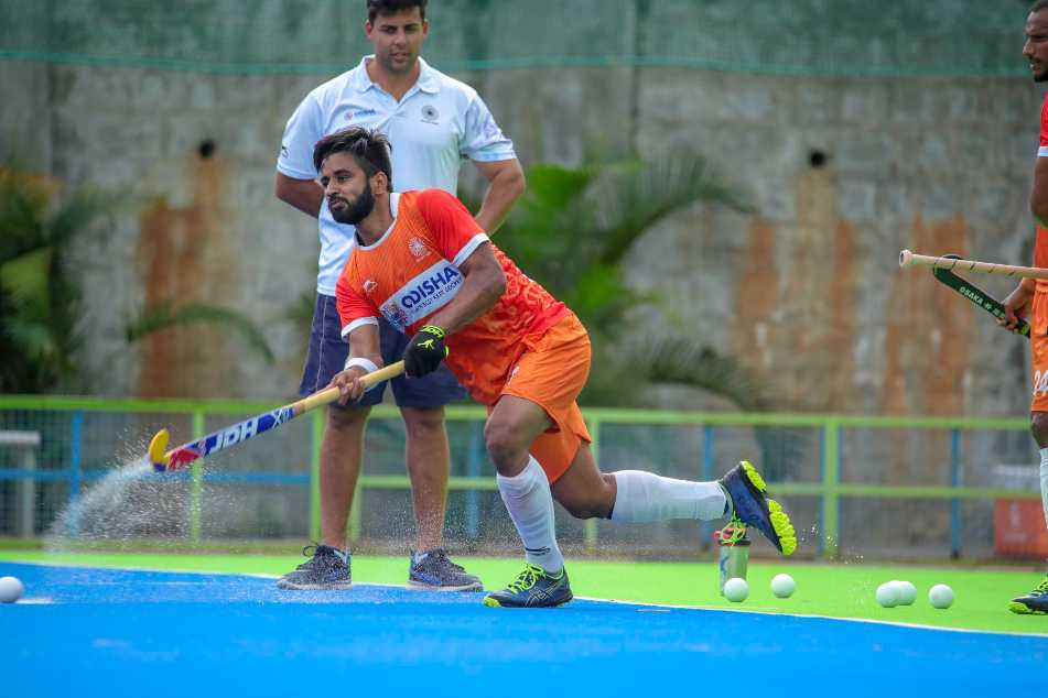 Coronavirus: Manpreet and four other players showing only