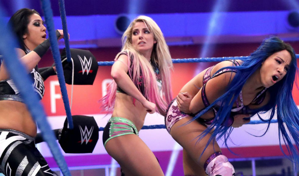 Womens tag team action on Smackdown (image courtesy WWE.com)