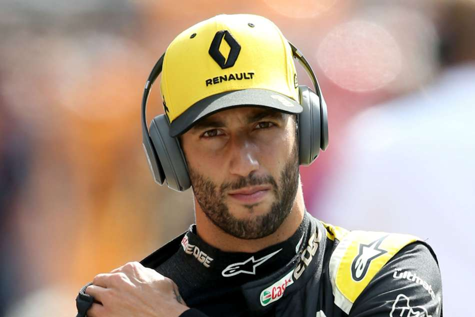 Ricciardo held Ferrari talks before agreeing to join McLaren