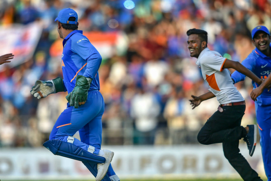 MS Dhoni is the quickest runner between the wickets in Team India: Mohammed Kaif