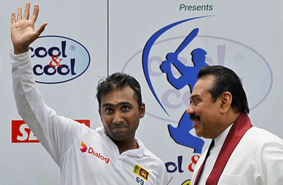 Sri Lanka Prime Minister Mahinda Rajapaksa met with the former senior cricketers following a public outcry against the construction of the new stadium