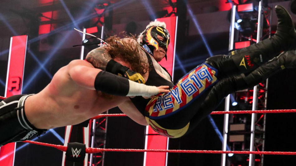 Rey Mysterio Signs New Contract With Wwe Mykhel