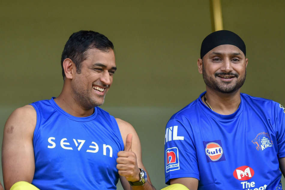 Dhoni won't play for India: Harbhajan