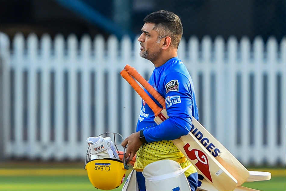 When MS Dhoni left Michael Hussey red-faced: 'Thanks coach! I'll bat my approach'
