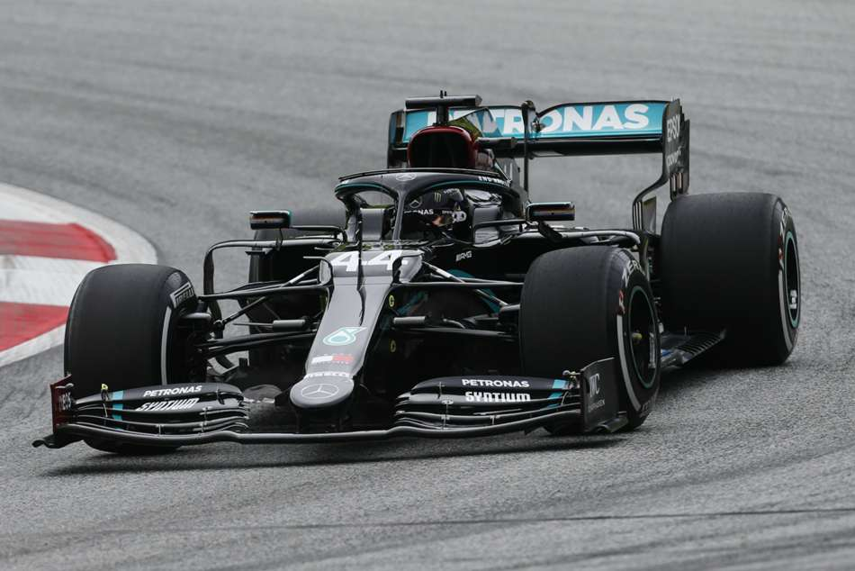 No urgency on Hamilton and Bottas contracts, says Mercedes chief Wolff