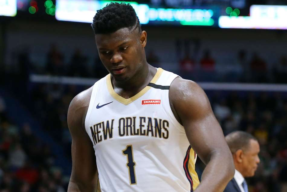 Pelicans star Zion Williamson leaves NBA bubble for 'urgent family matter'