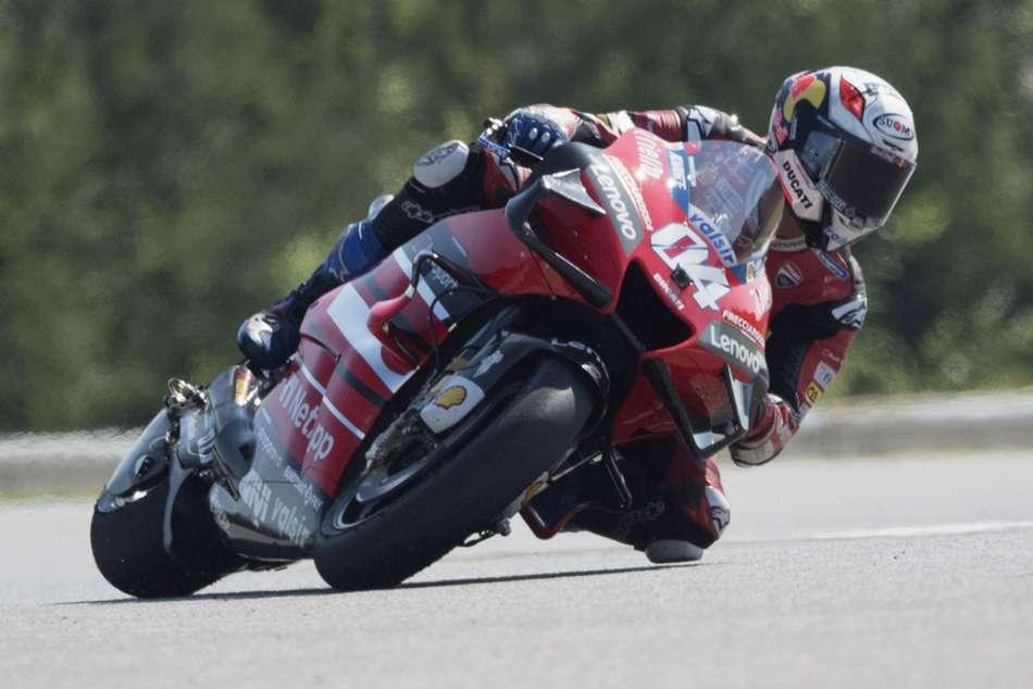 Dovizioso shines before the rain as Ducati set timeline over future