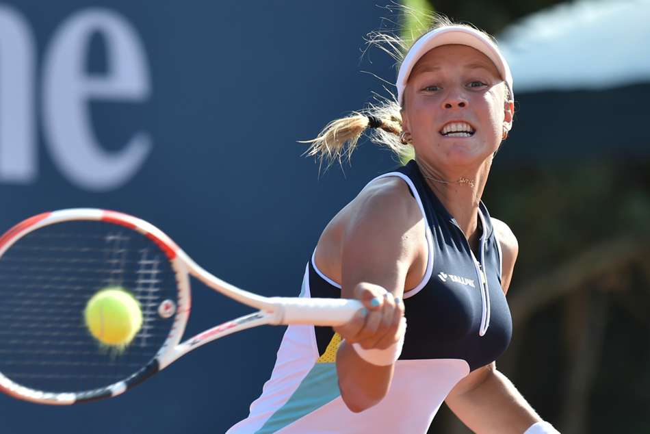 Kontaveit and Ferro to battle for Palermo title