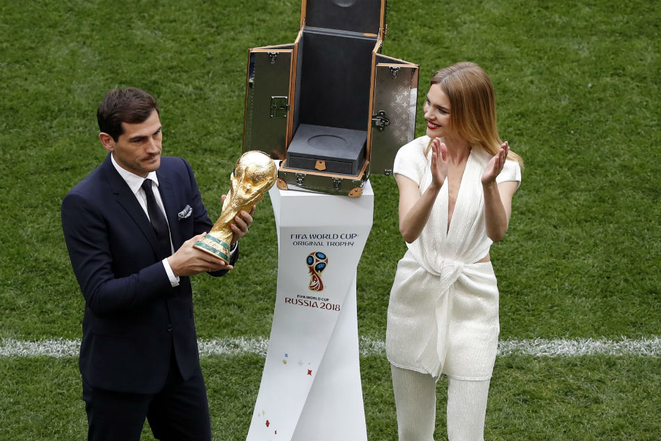 Spain and Real Madrid legend Iker Casillas announces retirement