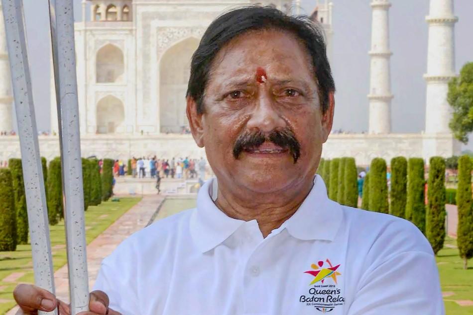 Chetan Chauhan cremated at Garhmukteshwar with state honours
