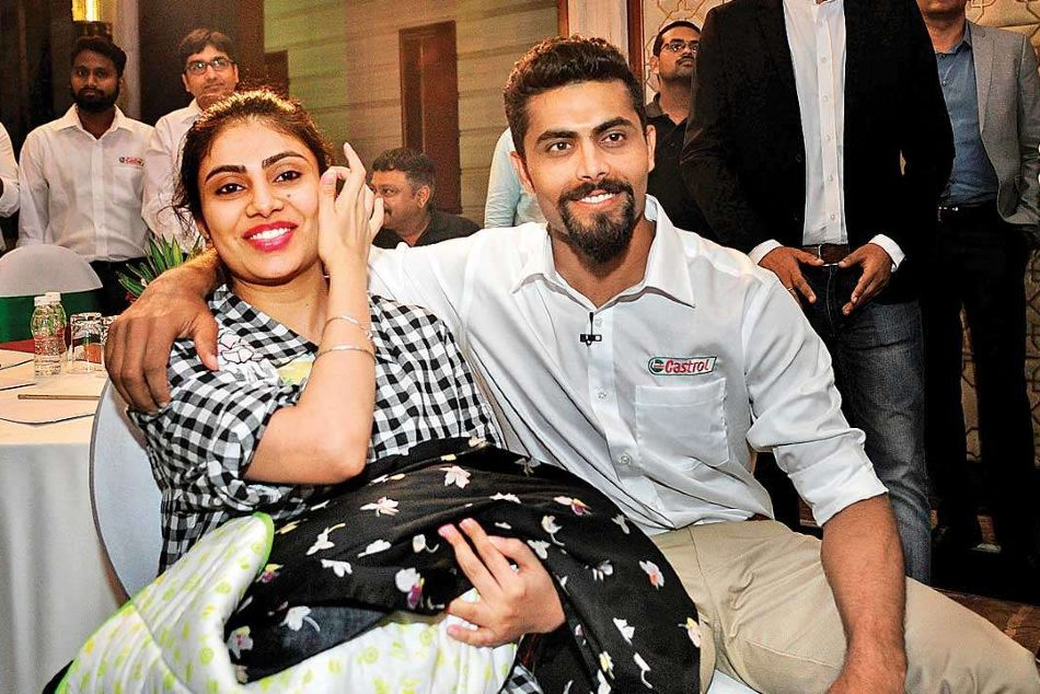 Ravindra Jadeja's wife caught without mask, argues with cops in Rajkot
