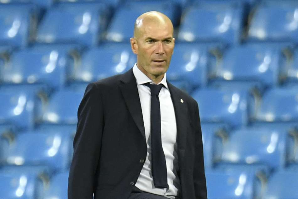 I am the coach of Real Madrid, that's it – Zinedine Zidane dismisses doubts over his future