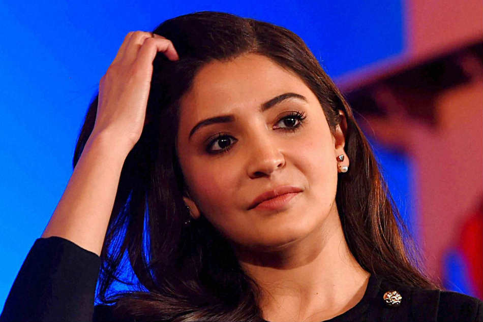 Anushka Sharma lashes out at Sunil Gavaskar for brash comments, asks for explanation