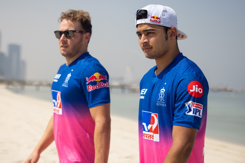 IPL 2020: Rajasthan Royals jersey unveiled in Dubai - myKhel