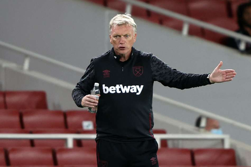 Moyes and two players miss West Ham game after positive COVID-19 tests
